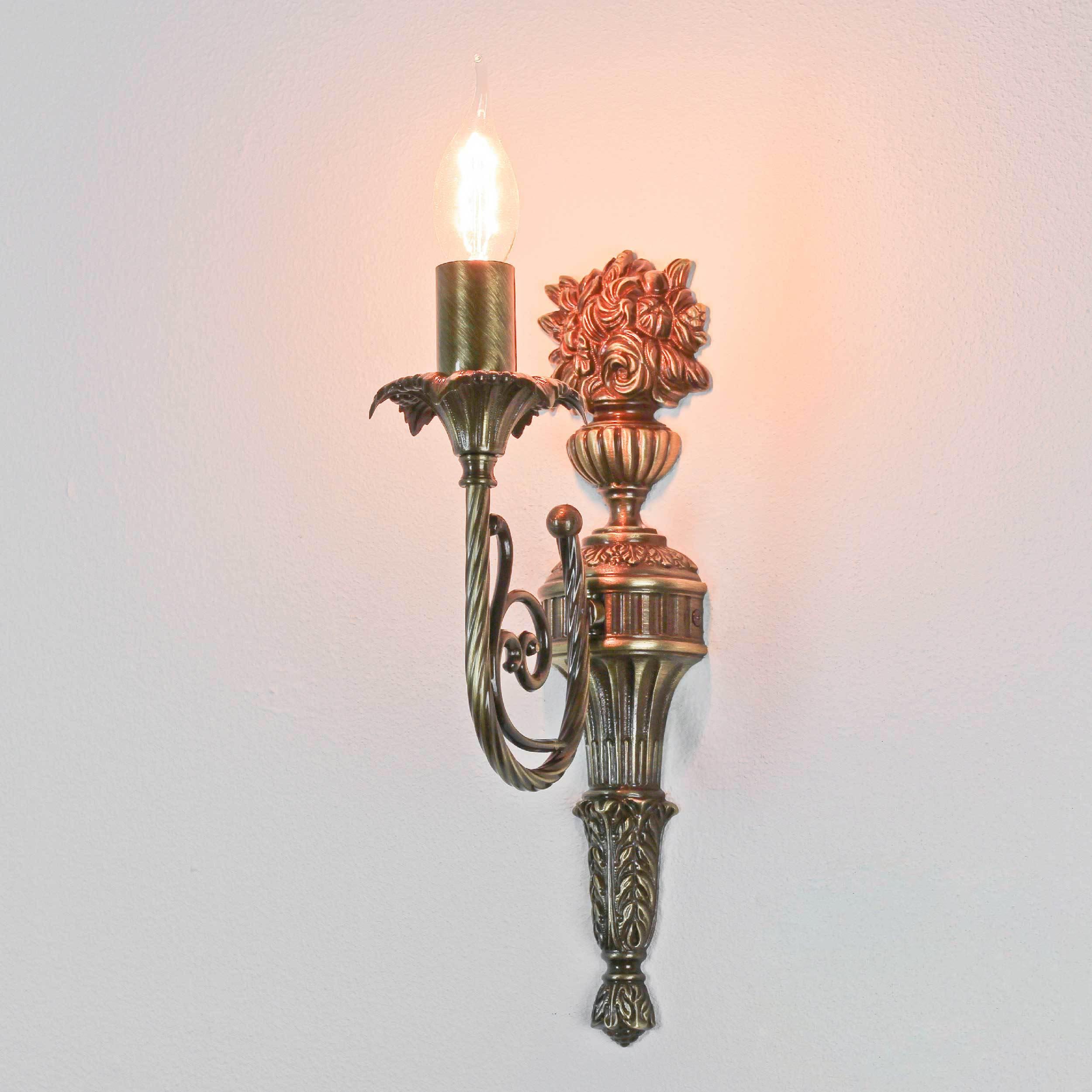 Wandlampe Weiß Stoffschirm aus Echt-Messing Luigi