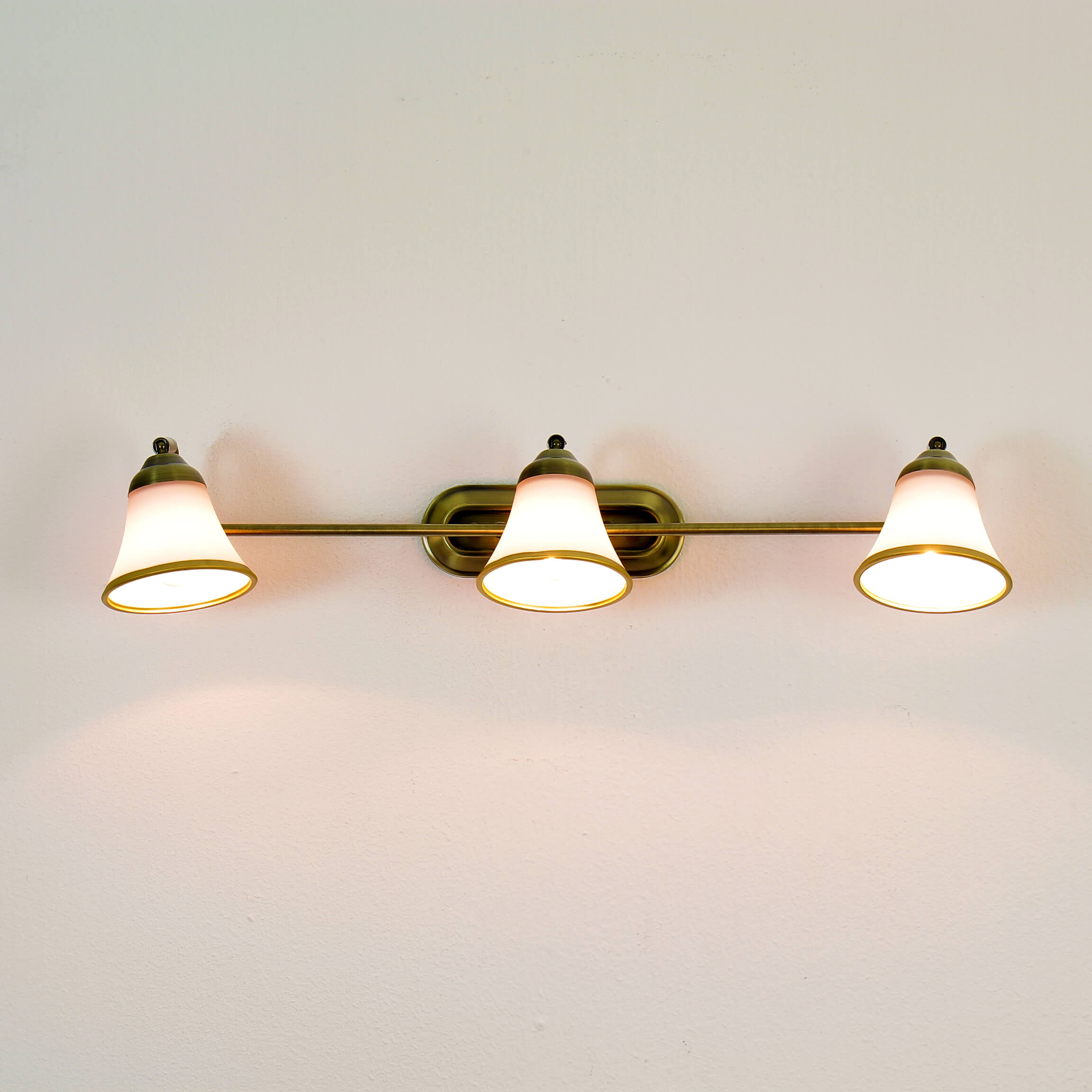 Bad Wandlampe 3xE14 67cm drehbar Jugendstil GRANDO