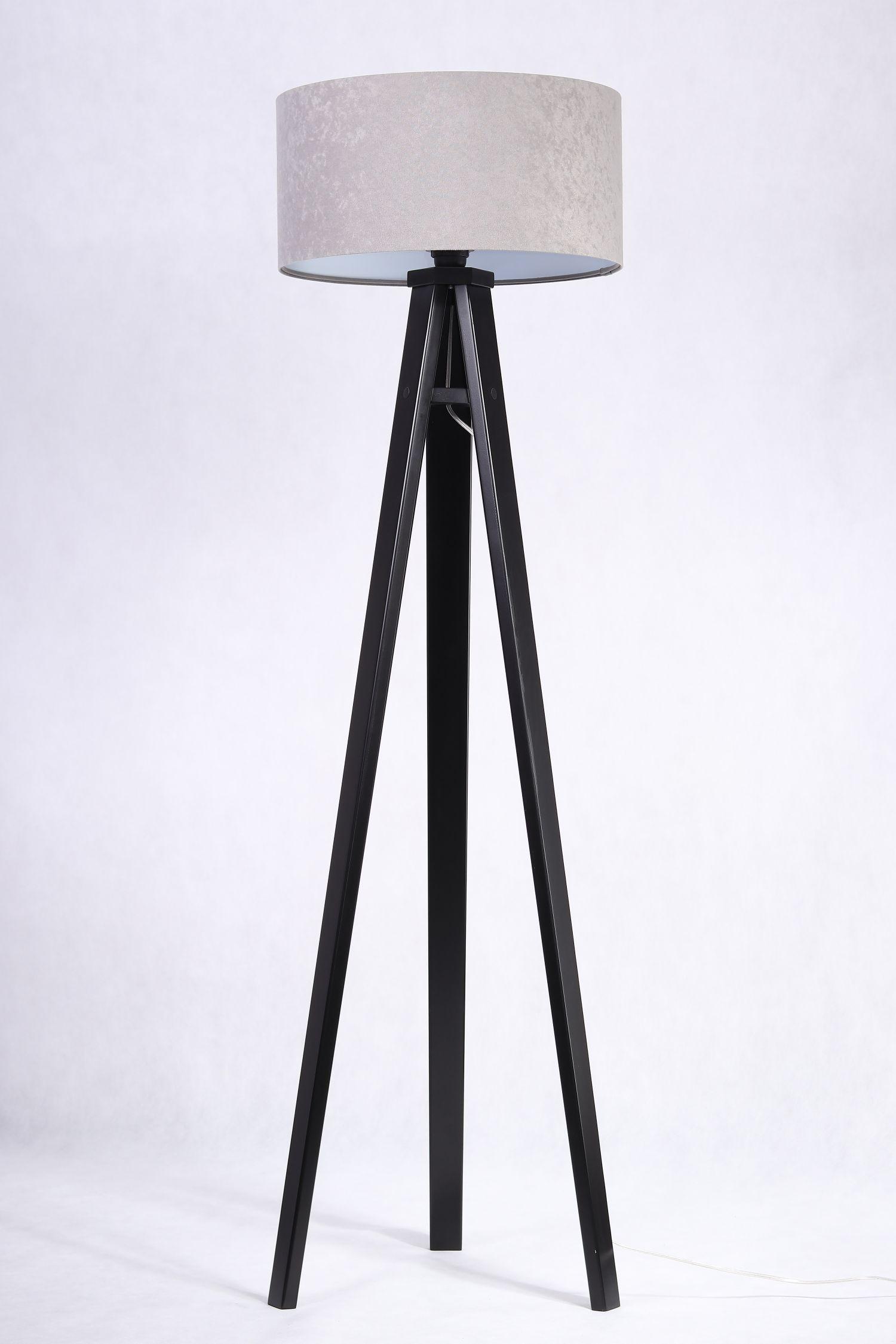 Stehlampe Holz Beleuchtung Grau Silber Wohnzimmer