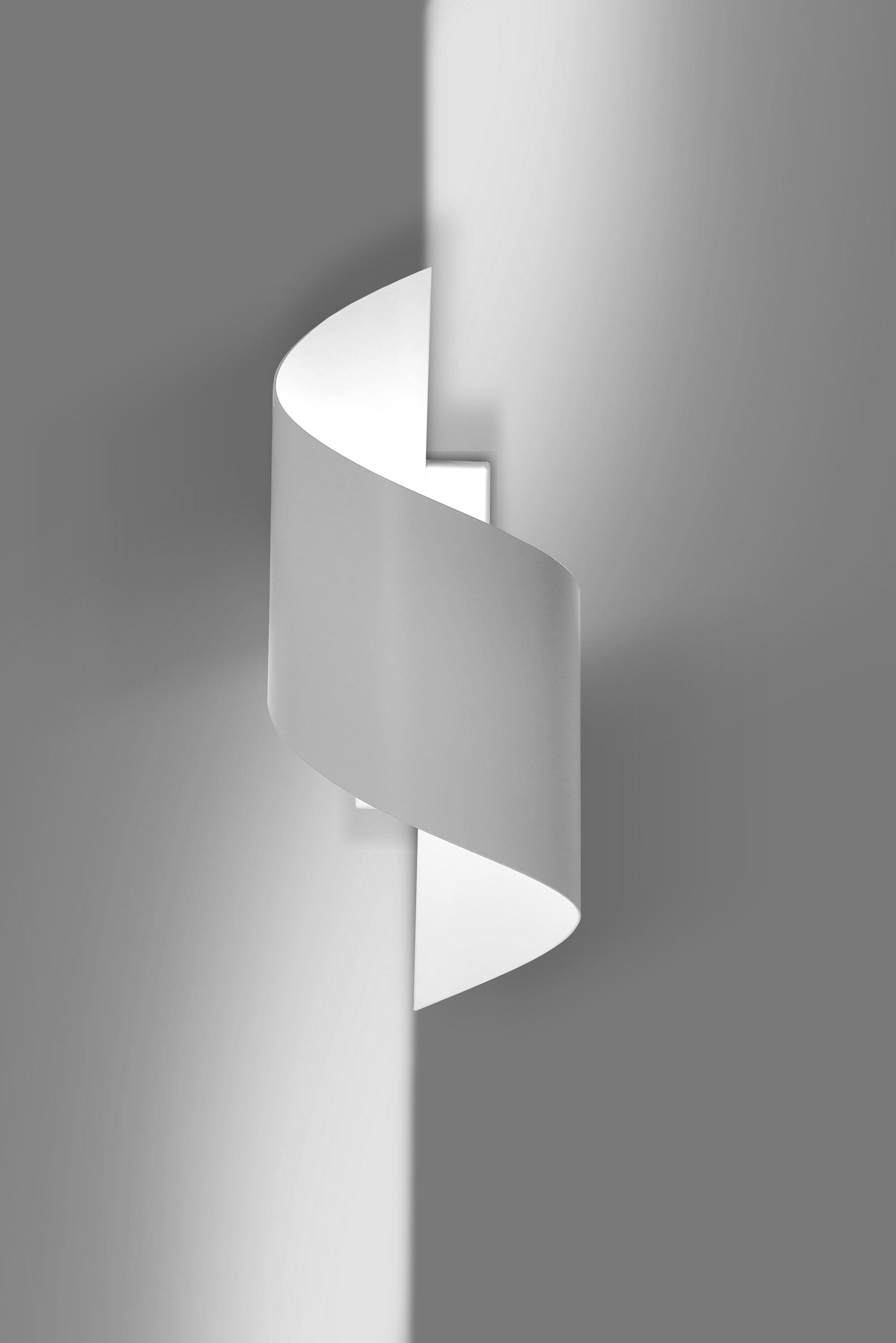Stylische Wandleuchte Weiß Metall Design up down G9